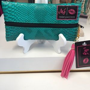 Makeup Junkie Bags- Turquoise Cobra